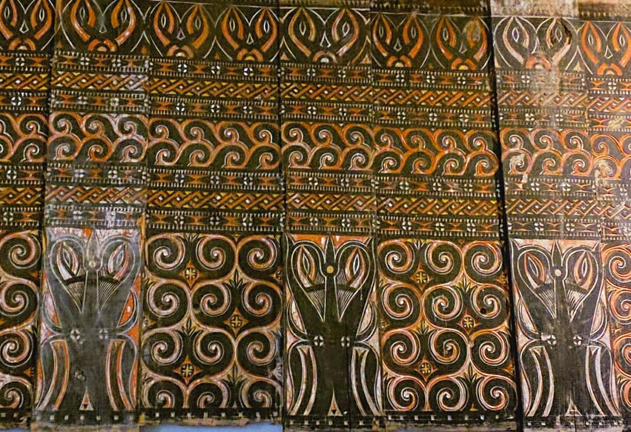 Toraja tongkonan carved panel